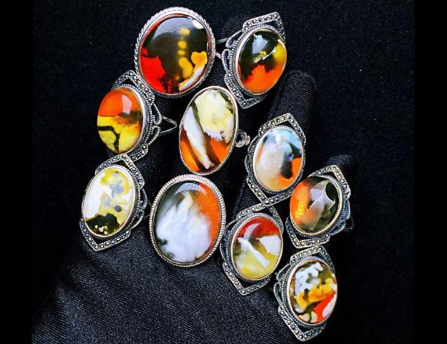 925银镶嵌戒指特色花纹蜜蜡